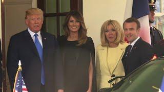 Le président américain Donald Trump et son homologue français Emman...