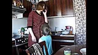 Социальная реклама о внимании родителей к детям .wmv