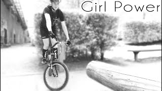 larena hees girl power amazing bike control