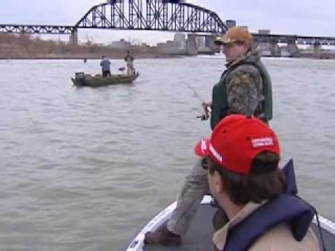 Sauger fishing the ohio river youtube for Best fishing in ohio