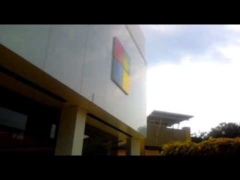 vlog 20120828: Service Road Fail Trail Whew with @MicrosoftStore (show srftwms)