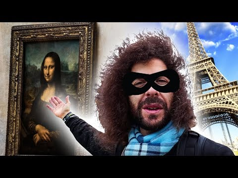 "Stealing Photos Of the ""Mona Lisa"" In Paris France"
