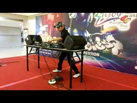 Dj Alvin Yakuza @ DJ competition - mangga 2 sqr.