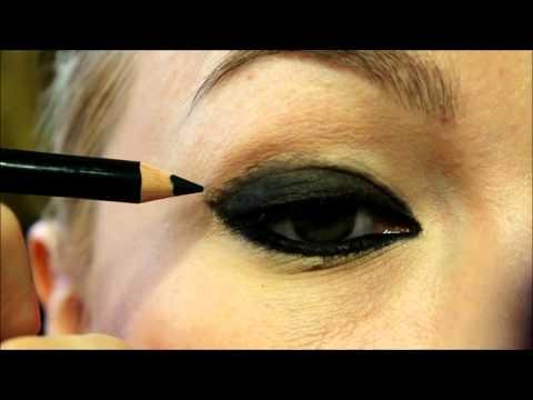 серыми фото и макияж черными тенями