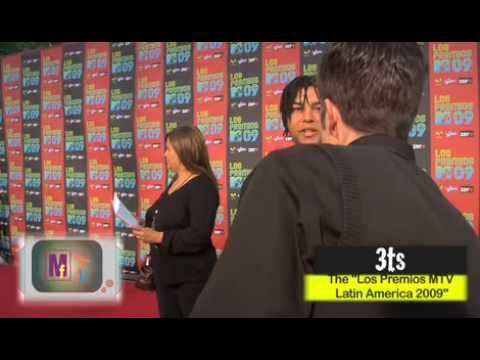 Micheal Jackson nephews 3t interview on mtv los premios red carpet