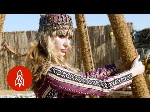 The Fashion Designer Reimagining Sadu Fabric