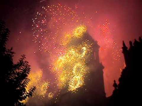 Fuegos pirotecnicos final del grito bicentenario mexico