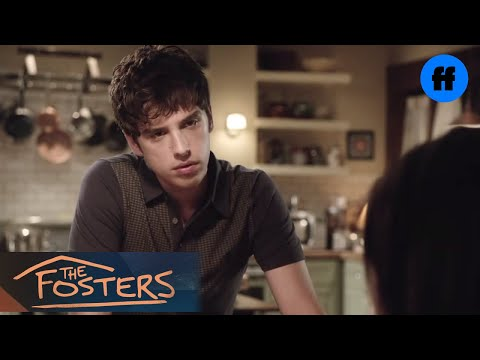 who is callie dating on the fosters