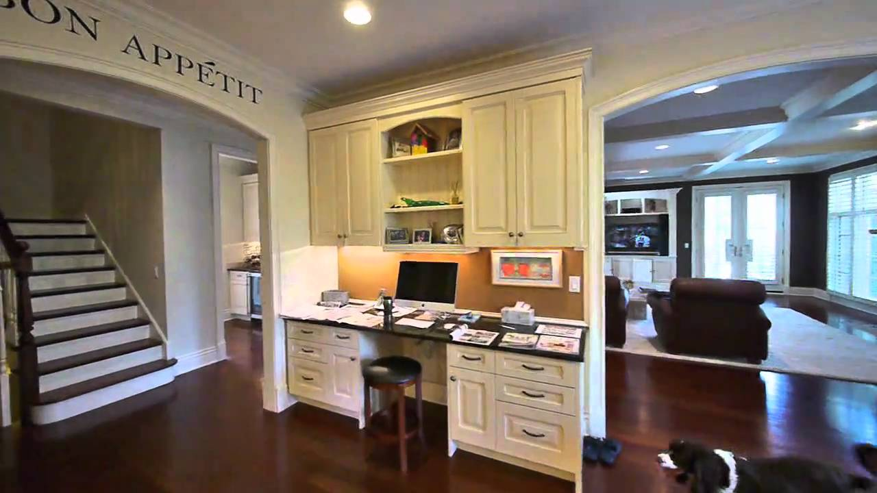 A 6 000 Square Foot 6 Year Old Northfield Home Youtube