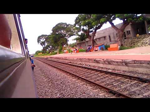 77298 ~ Macherla to Bhimavaram jn. DEMU Train Arriving Undi Railway Station
