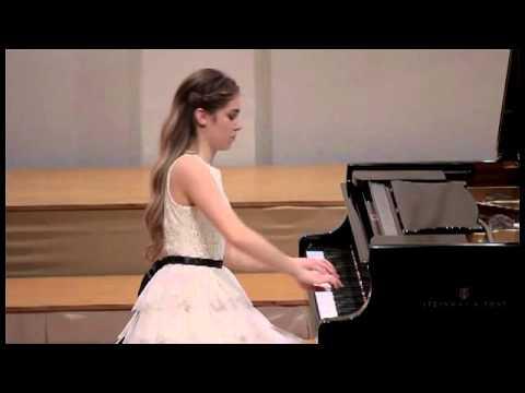 Karla Kroflin playing R. Schumann Aufschwung from Fantasiestucke op.12