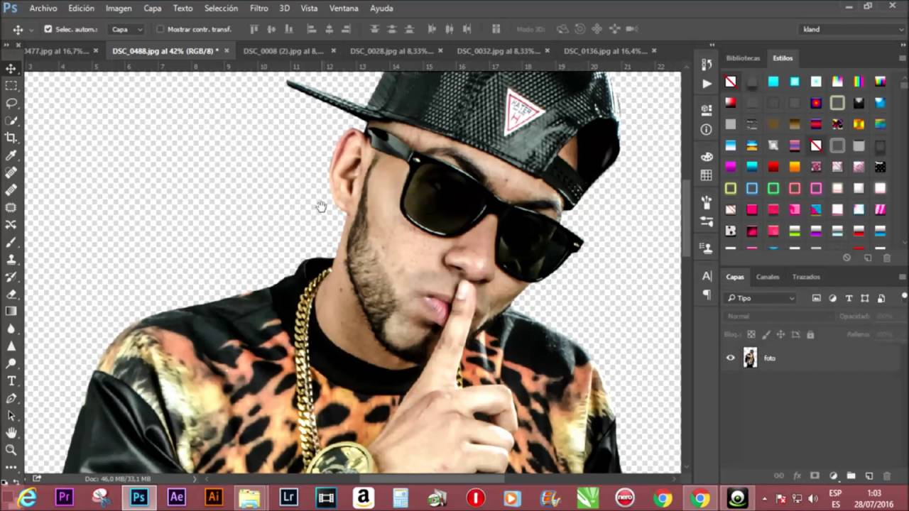 Como recortar una imagen en Photoshop CC - YouTube ...