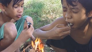 Primitive Technology - Cooking crab in forest - Eating delicious