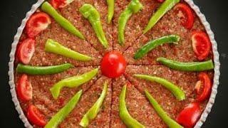 Hatay tepsi kebabı nasıl yapılır  Antakya39;nın en meşhur ustası şov yaptı  Hatay yemekleri