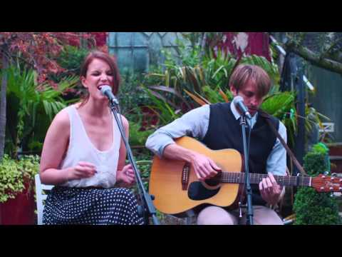 Female Fronted Vintage Acoustic Duo for Hire | Vintage Vibes