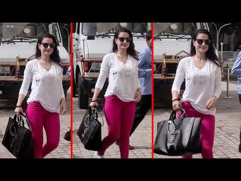 Ameesha Patel In Tight Hot Dress Spotted At PVR Juhu thumbnail