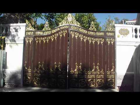 Ворота распашные (чугун, вес 1,5т)