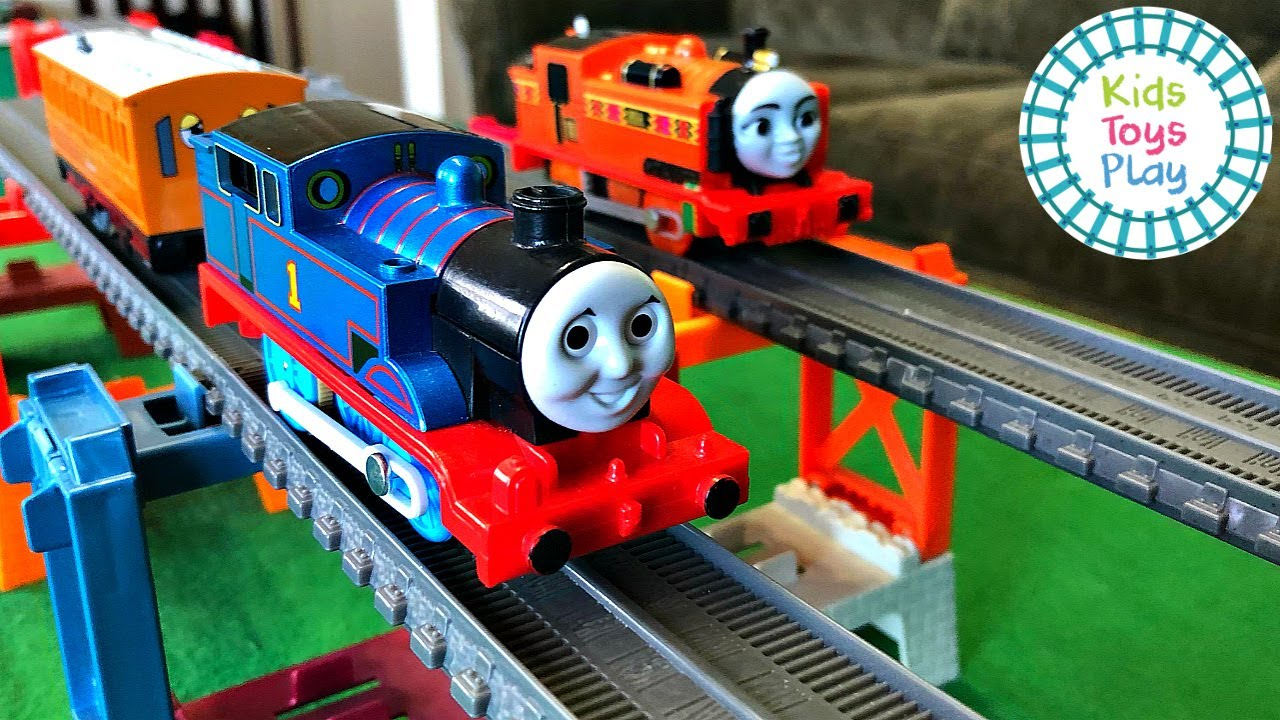 Thomas and Friends Tomy VS Trackmaster Worlds Strongest Engine
