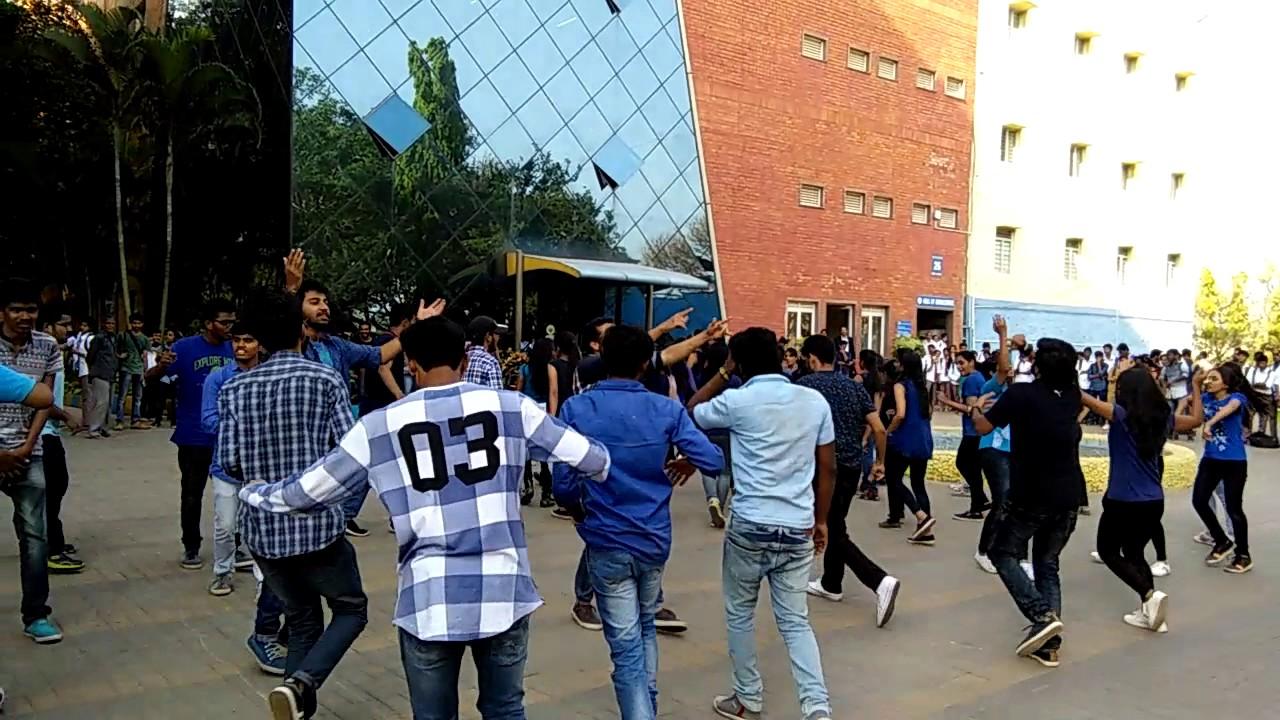 dayananda sagar engineering students flash mob youtube
