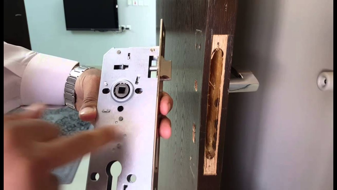 تركيب قفل وكالون الباب الجزء الثالث