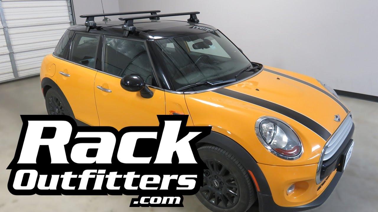 Mini Hardtop 4 Door Hatchback With Thule Aeroblade Roof Rack