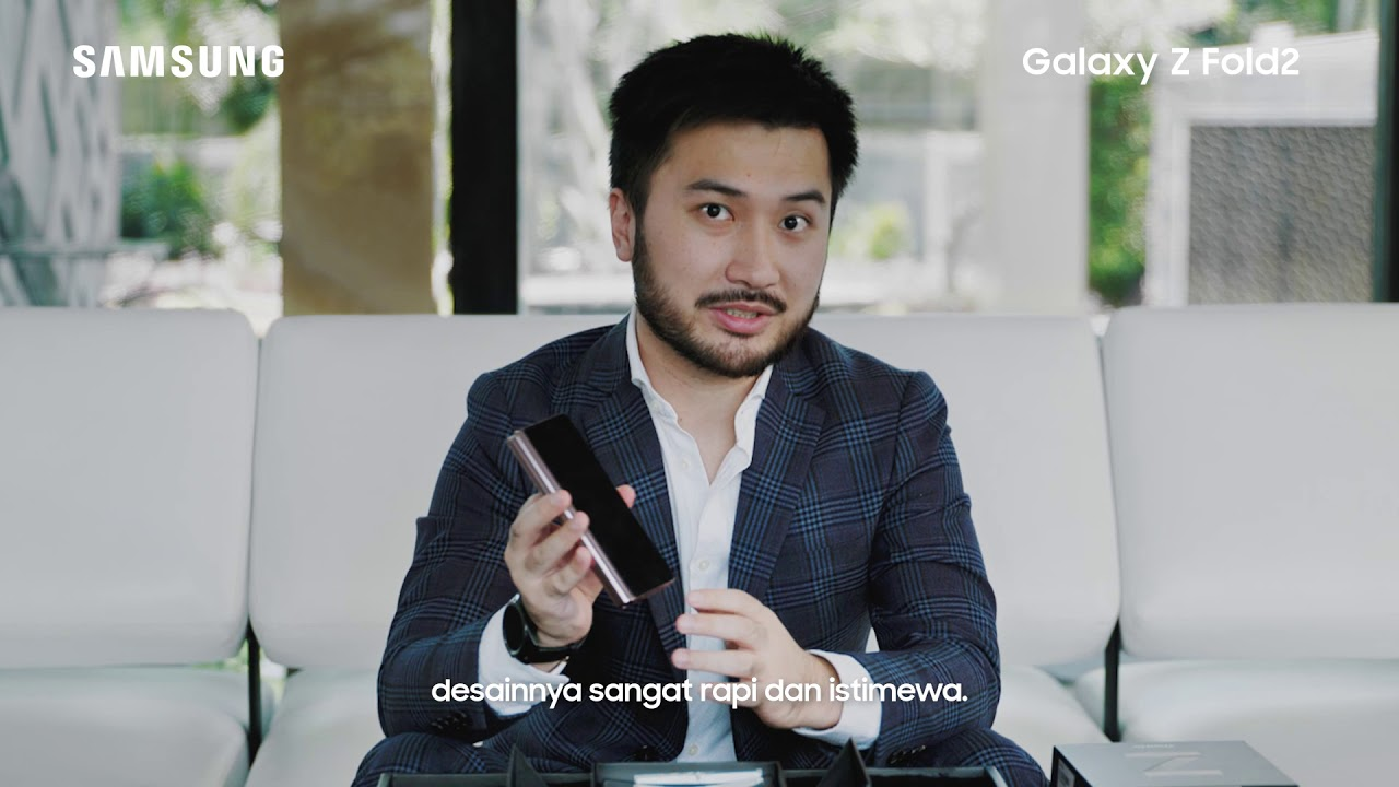 Samsung Indonesia: Galaxy Z Fold2 - Unboxing with Rudy Salim
