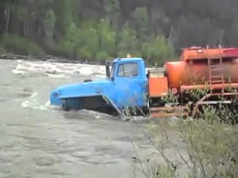 Nithus.ch  Russian Truckers Cross River