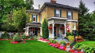 видео Как разбить и оформить красивый цветник перед домом на даче