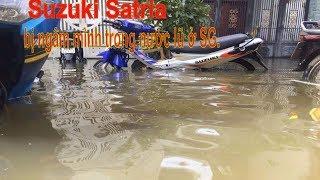 Tin nhanh 24/7 - Dân chơi 2 thì nổi điên với chiếc Suzuki Satria bị ngâm mình trong nước lũ ở SG.
