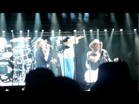 El Cerrito Place-(I've been looking for you baby) Kenny Chesney & Grace Potter