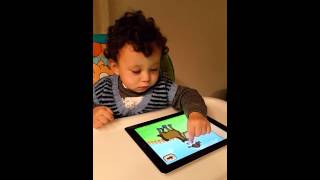 15 months old boy ıpad making puzzle (Ali)