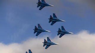 Русские Витязи выступление в Севастополе(Русские витязи в небе над Севастополем показали высший пилотаж на тяжелых истребителях 5 декабря в Севасто..., 2015-12-05T17:49:41.000Z)