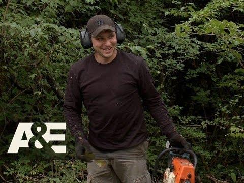 Lachey's Bar: Drew is a Proud Handyman (Season 1, Episode 3) | A&E