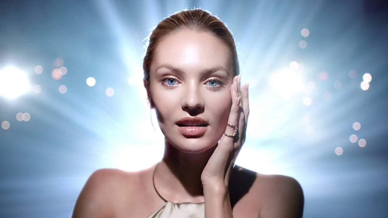 Max Factor Miracle Touch Liquid Illusion Foundation - YouTube