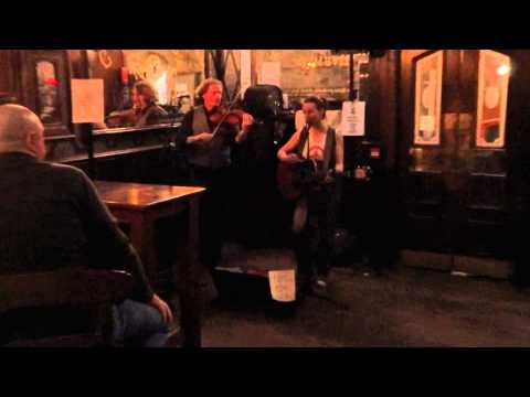 Post-study-visit-evening at the Royal Mile Tavern in Edinburgh part 1