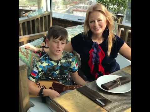 Юсуп Алиев: Я не стану ждать тебя на берегу, Чеченец мальчик классно спел на балалайке!