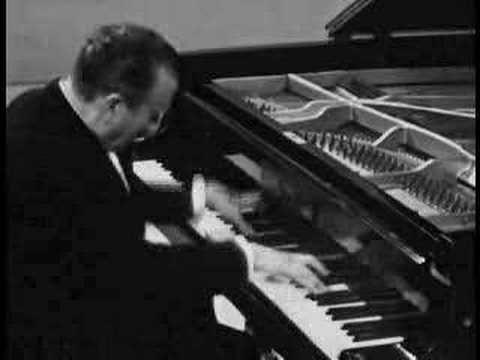 Schumann  - Carnaval Op. 9 - Claudio Arrau, piano (1961)