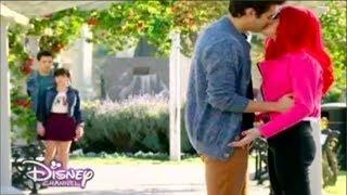 Violetta 3 Leon and Roxy kiss Ep.40 English Subtitles
