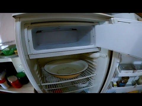 Как быстро разморозить холодильник! Очень эффективный способ!