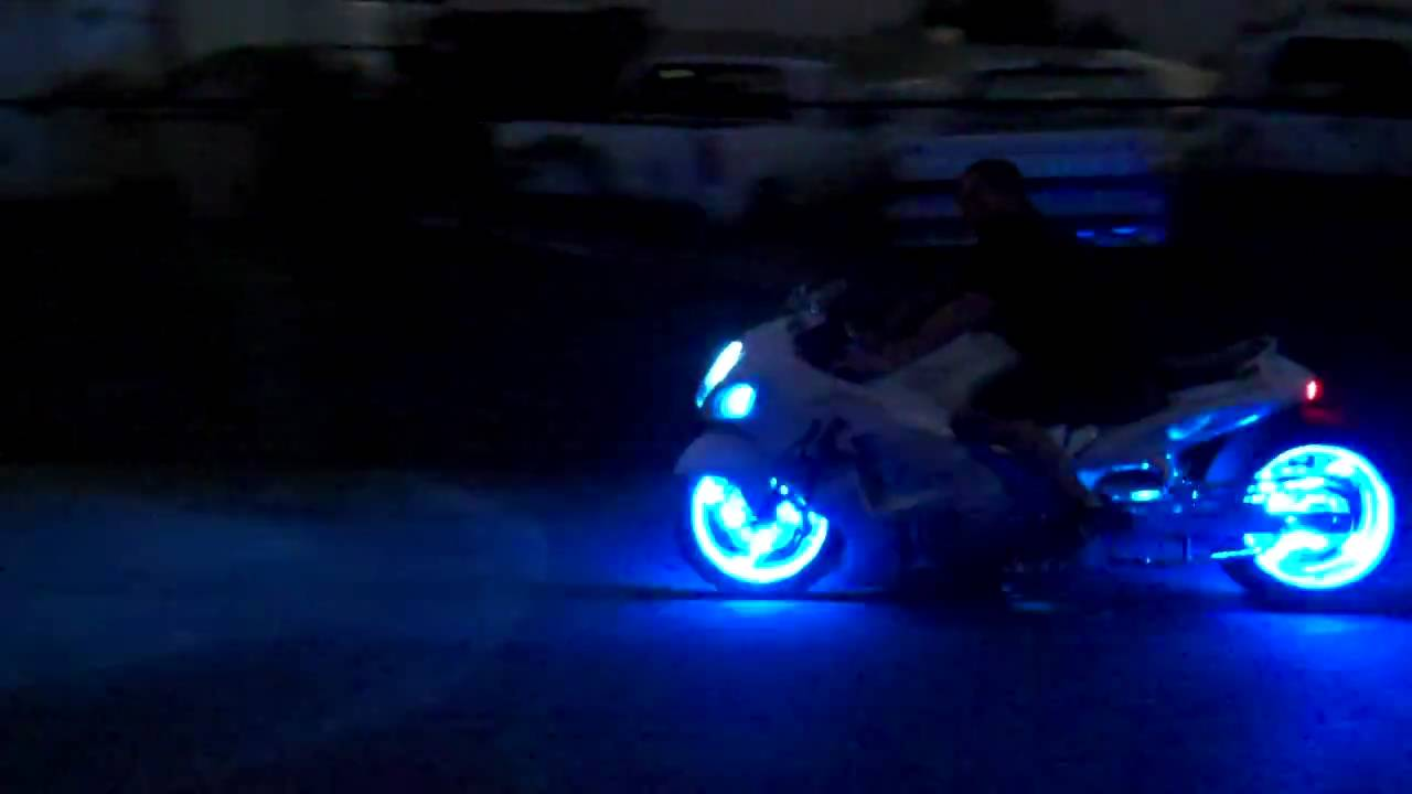 Vultran Type Electric Motorcycle By Lee Rosario also Ktm Adventure besides  as well Carchromeskullautomanualgearstickshif nobleveruniversal Sku X further Broncolp T. on motorcycle led lights