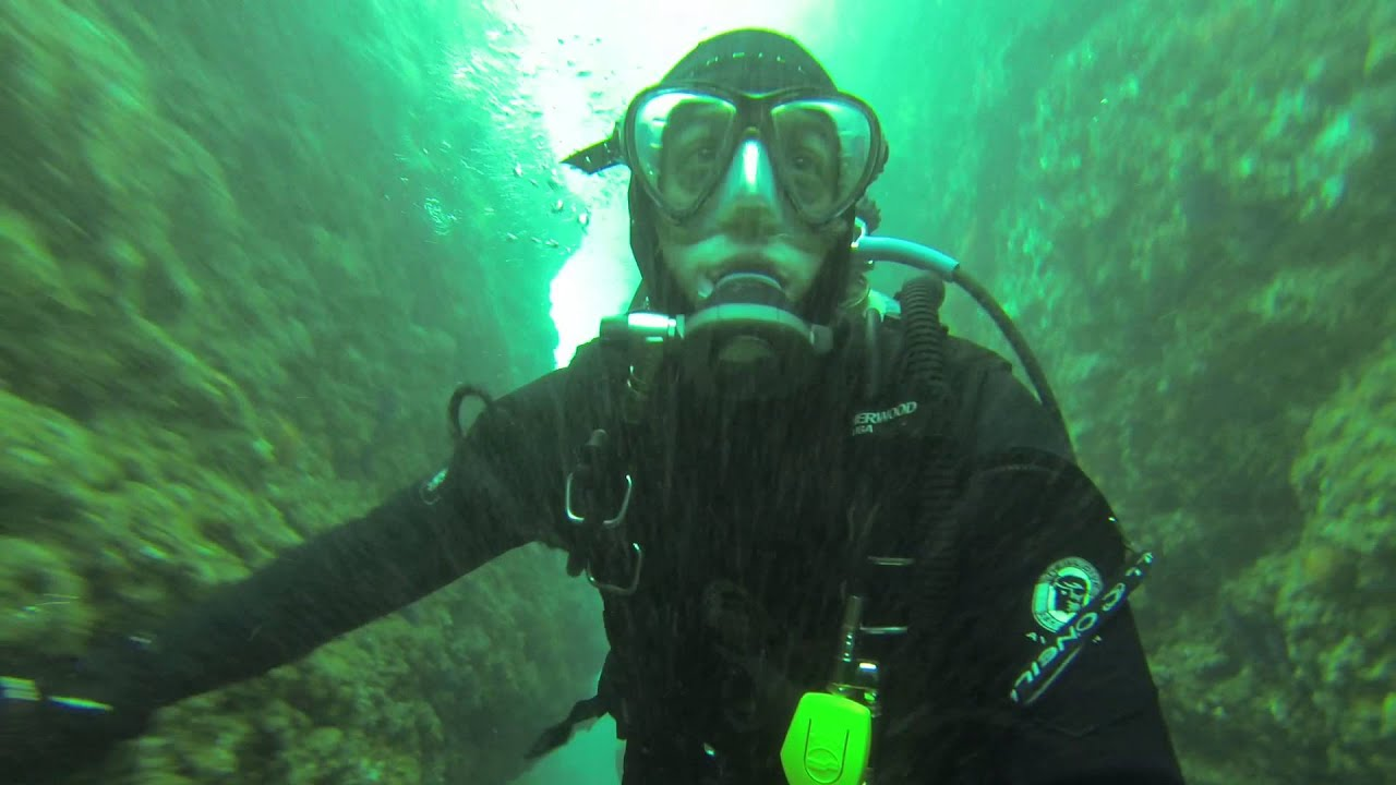 Shaws Cove In Laguna Beach, Crack Diving, Scuba Diving In