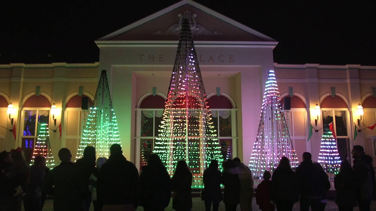 six flags st louis holiday in the park the magic of christmas light show - Christmas Lights St Louis