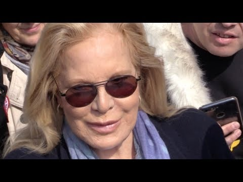 EXCLUSIVE : Sylvie Vartan coming out of RTL radio station in Paris