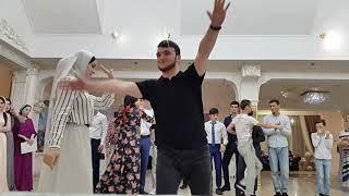 Чеченская свадьба Чеченские песни в ГРОЗНОМ Нохчи ловзар эшар ЧЕЧНЯ ПЕСНИ ТАНЦЫ ЗАУР АБАКАРОВ