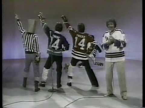 Phil Esposito, Gil Gerard & Alan Thicke 1980