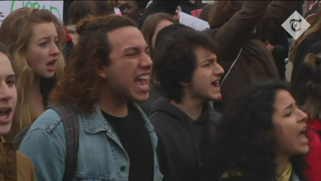Students protest outside the White House calling for gun control