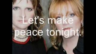 Watch Indigo Girls Peace Tonight video