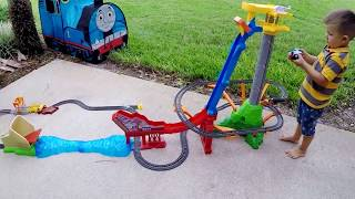 Thomas and Friends Video for Kids Trains Toys GIANT Thomas Surprise Toys unboxing and review