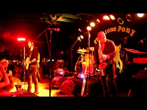 Tramps Like Us - 10th Avenue Freeze-Out - Recorded At The Stone Pony, 6/25/11