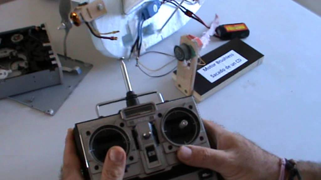 motor para drone with Watch on Lego Mindstorms Nxt 2 0 Robotas Konstruktorius likewise Best Ideas For Cheap Arduino Uno Projects also MLB 702476099 Kit 4 Suporte Fixaco Motor Porto Eletrnico Pivotante Ppa  JM likewise El Mejor Drone Con Camara together with How To Run An ESC With Arduino.
